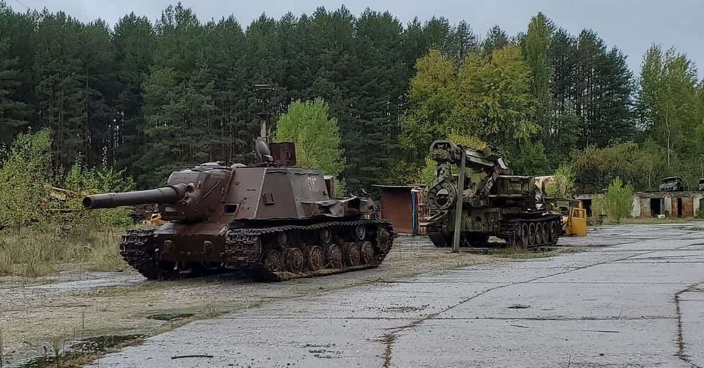 Покинута військова техніка в Чорнобилі